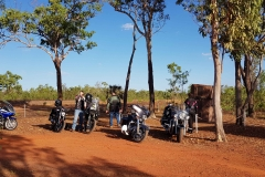 Riders-at-NTs-Glen-Huitson-memorial